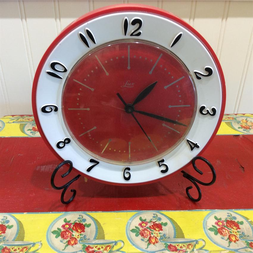 Mid Century Modern Lux Electric Red Kitchen Clock
